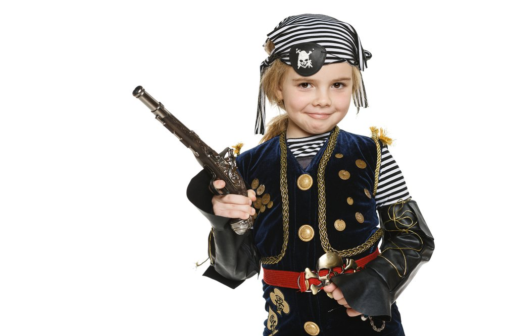 Girl in pirate suit