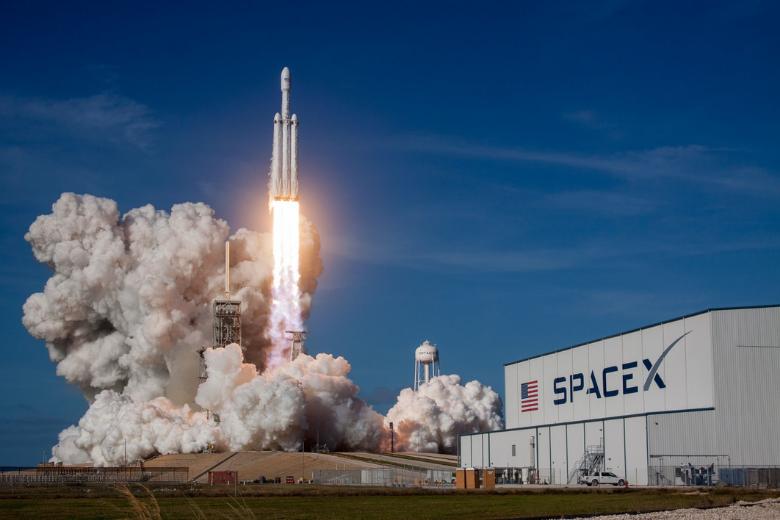 Космическая компания Маска Space X. Фото: spacex / unsplash.com.