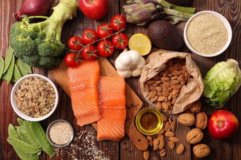 Здоровая еда рыба и овощи фото