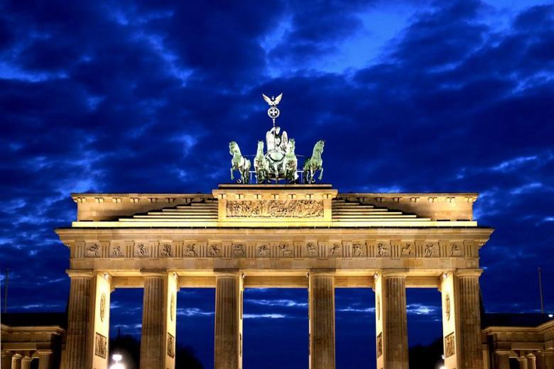Бранденбургские ворота как символ раскола и объединения Германии фото 1
