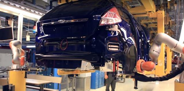 Вот оно чё, Михалыч: на кёльнском автозаводе роботы делают сотрудникам массаж