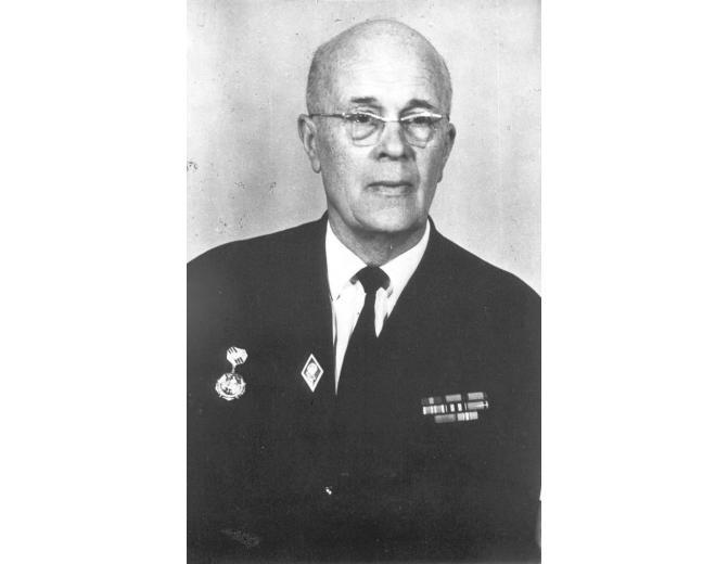 «Манфред Эсси-Эзинг: доктор, спасавший от смерти...смертью». К 75-летию депортации советских немцев вспоминается…