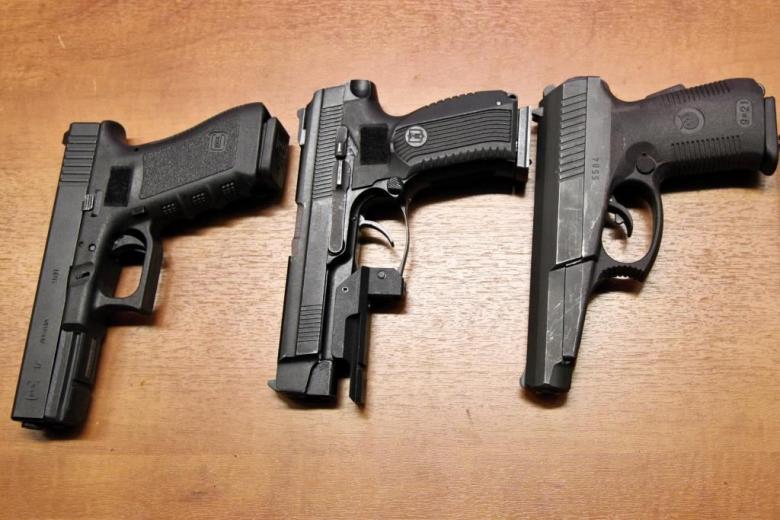 Как террористы в Германии покупают оружие? фото 1