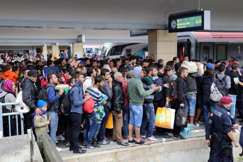 Малина закончилась: Германия отказывает каждому второму беженцу фото 1