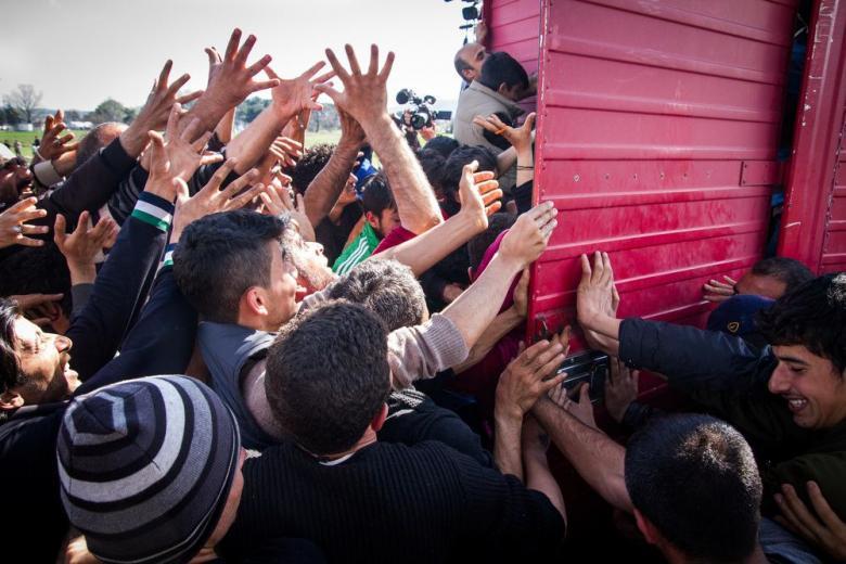 Украина мечтает приютить беженцев, а Петухов – сделать безвизовый режим фото 1
