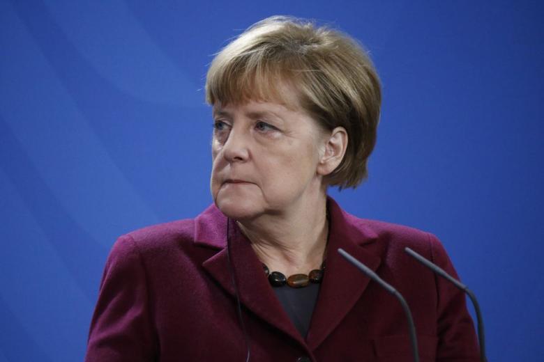 Новая боевая фрау: партия ХДС готовит замену Меркель фото 1