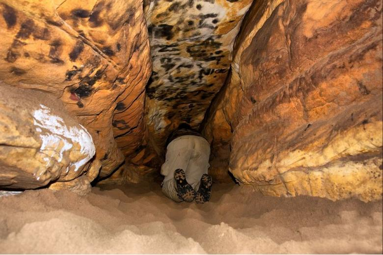 Немецкий «Робинзон»: муж сбежал от беременной жены в пещеру фото 1