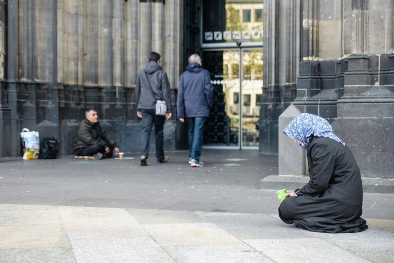 В Германии зафиксированы нападения на 128 бездомных, 17 из которых были убиты фото 1