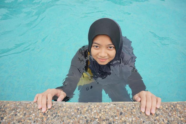 Школьниц-мусульманок обяжут ходить на плавание с мальчиками фото 1