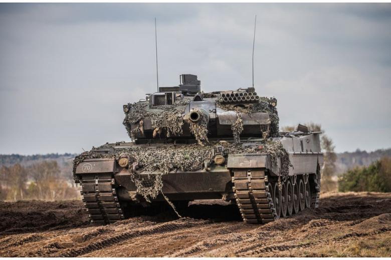 Боевики ИГИЛ уничтожили десять немецких танков Леопард фото 1