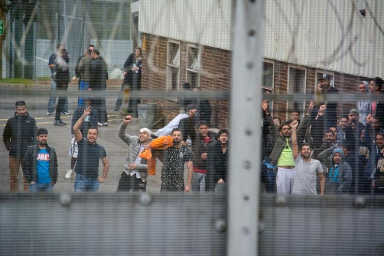 ХСС предлагает отправлять мигрантов за решётку фото 1
