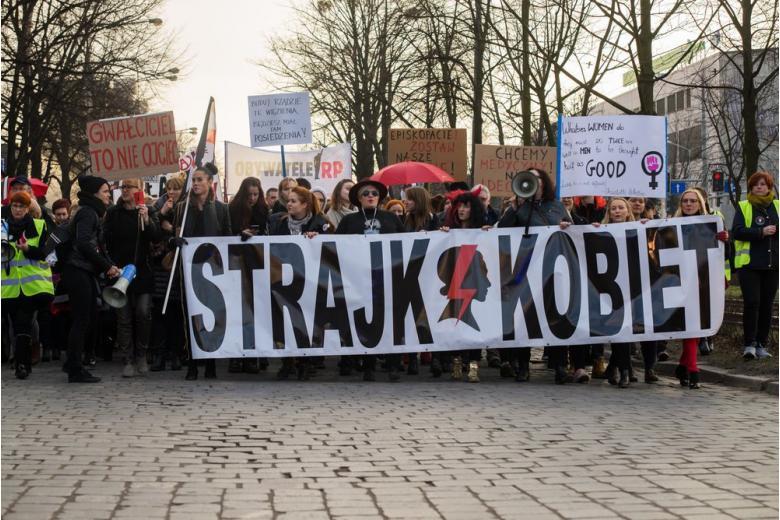 Аборт – только под угрозой смерти: всё больше полячек пользуются услугами немецких врачей фото 1