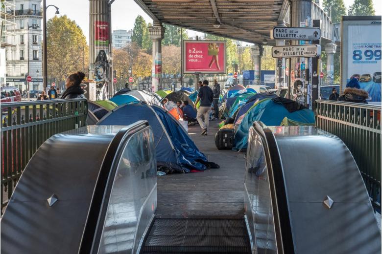 Мигранты, на старт! ВБерлине открыли центр депортации фото 1