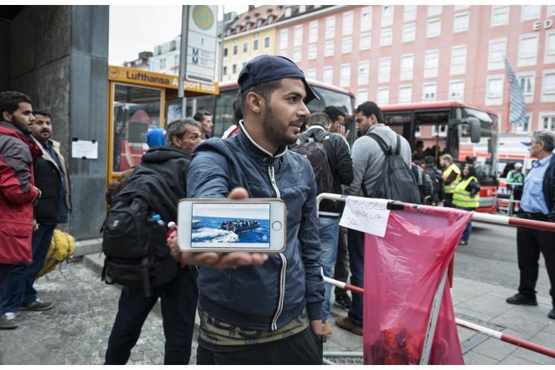 Турция угрожает открыть путь беженцам в Европу фото 1