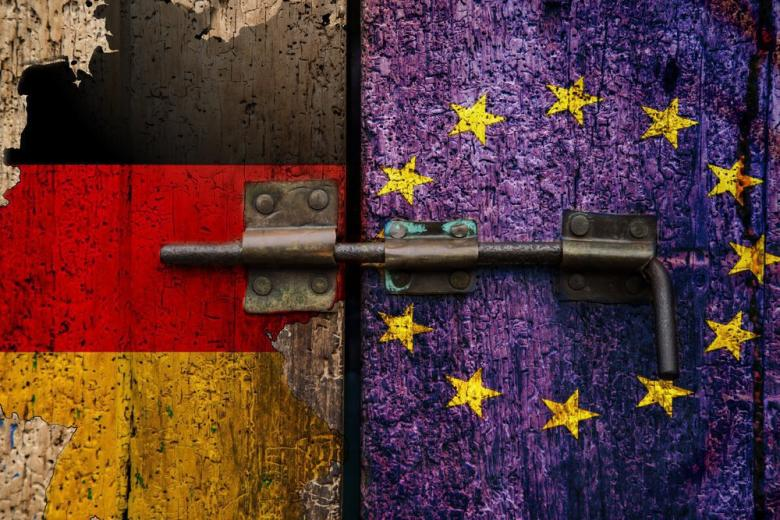 Пока ещё не поздно: в Франкфурте-на-Майне прошел митинг в поддержку единой Европы фото 1