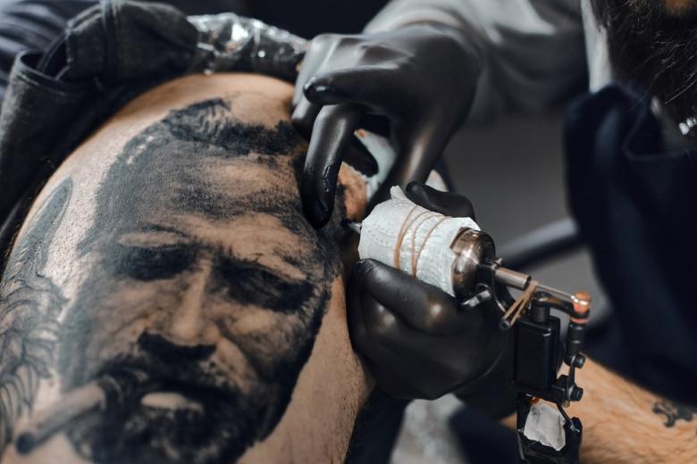 В Германии изобрели электронные татуировки для управления гаджетами фото 1