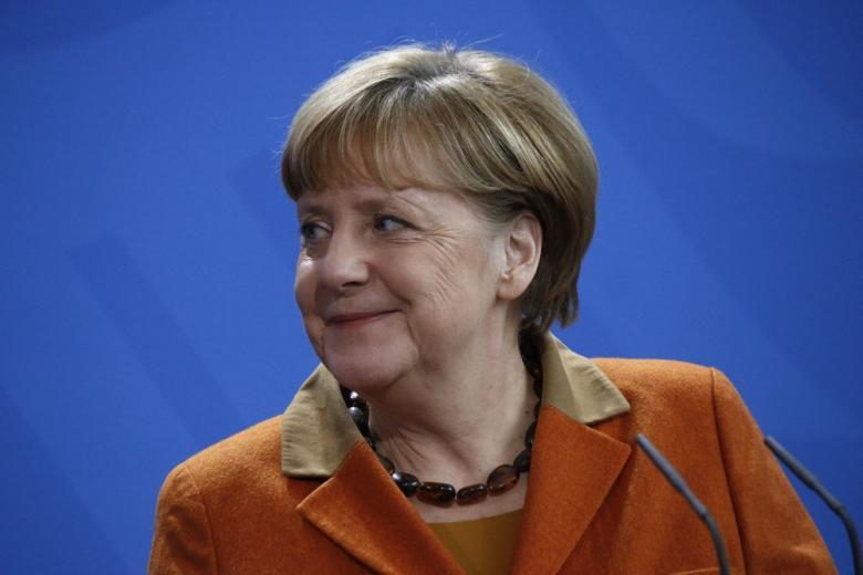 Кто «украшает» Меркель? фото 1