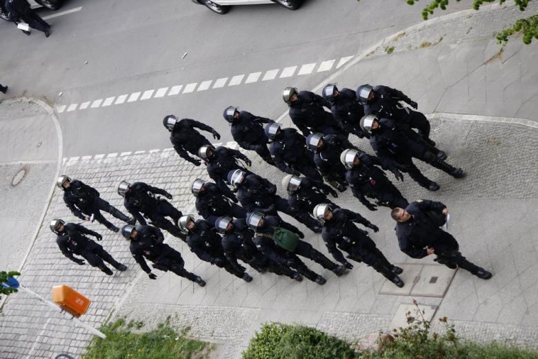 Заложившего бомбу в Бонне исламиста приговорили к пожизненному заключению фото 1