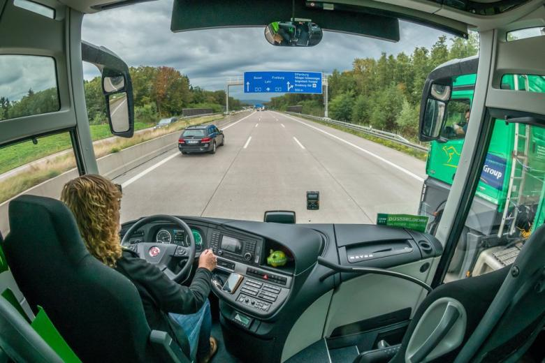 В Германии вводят плату за езду по автобанам фото 1