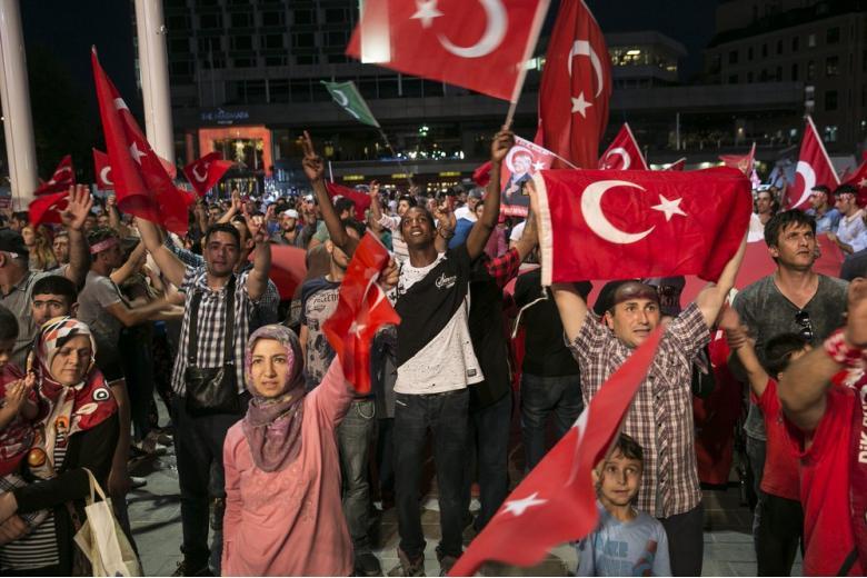 Не выступлениями, так письмами: турецкая агитация добралась до Германии фото 1