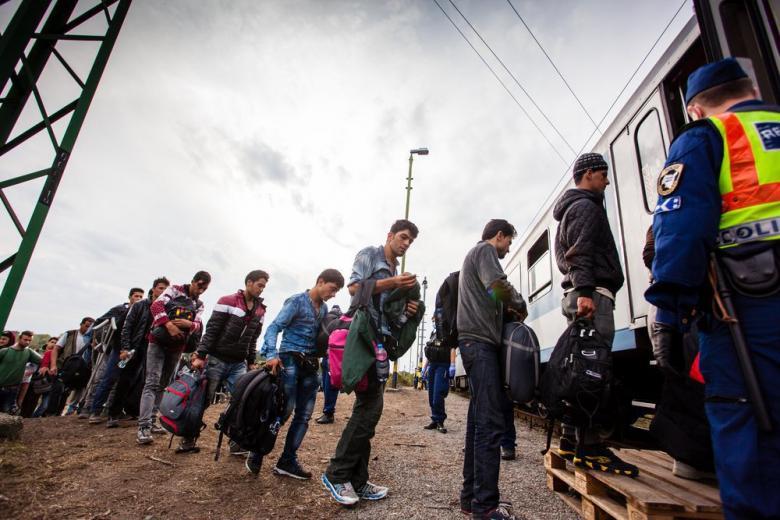 Школьники из Германии выступили против депортации афганцев фото 1