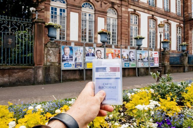 В Берлине довольны первыми результатами выборов во Франции фото 1