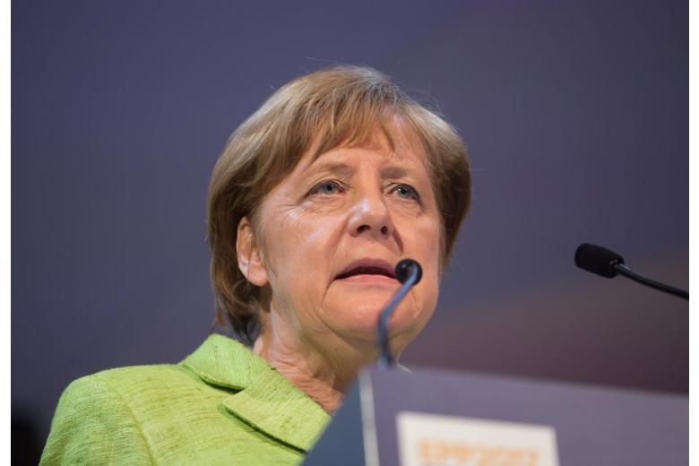 Меркель осуждает решение Анкары в вопросе по базе «Инджирлик» фото 1