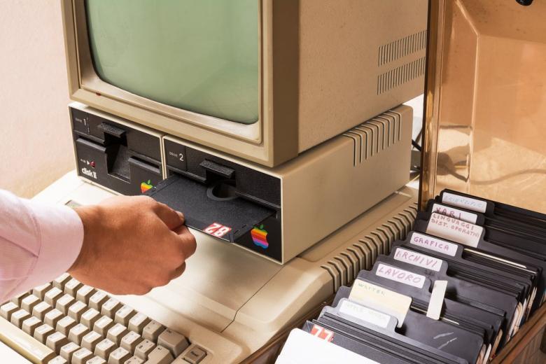 На немецком аукционе продали раритетный компьютер Apple за 130.000 долларов! фото 1