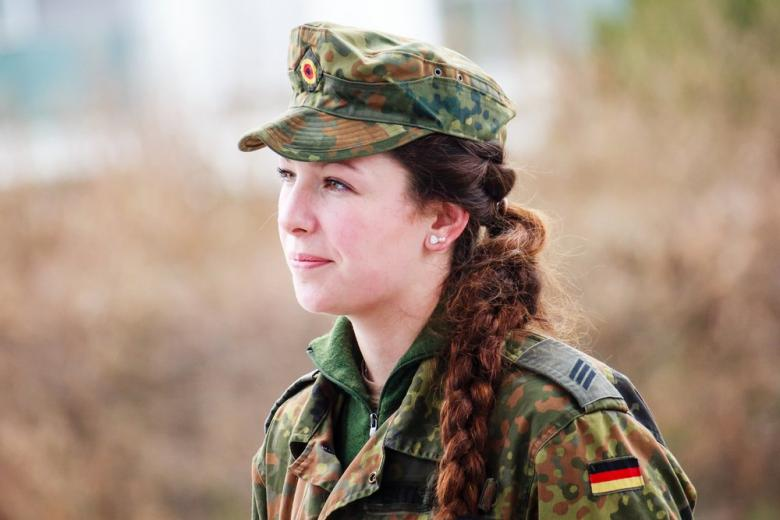 Всё больше немецких женщин вступают в армию фото 1