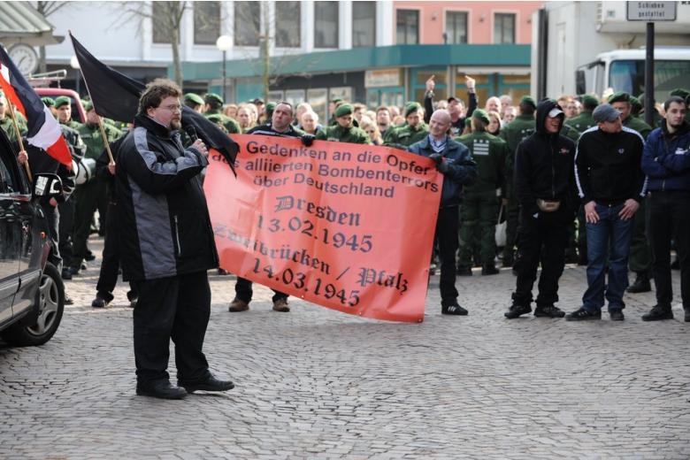 Семьи жертв неонацистов подали в суд на правительство Германии фото 1
