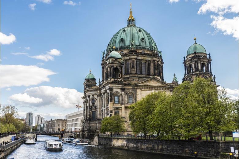 Берлинский собор лодка
