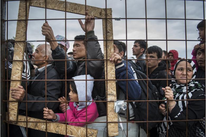 Беженцы будут ухаживать за пожилыми людьми фото 1