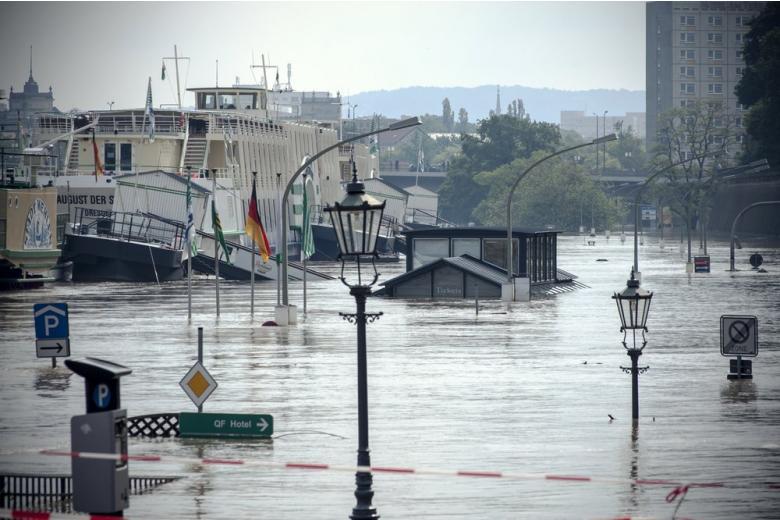 В Германии появилась угроза наводнения из-за ливней фото 1
