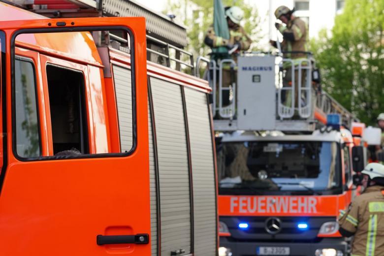 Прогоняя с балкона ос, жительница Мюнхена подожгла свою квартиру фото 1