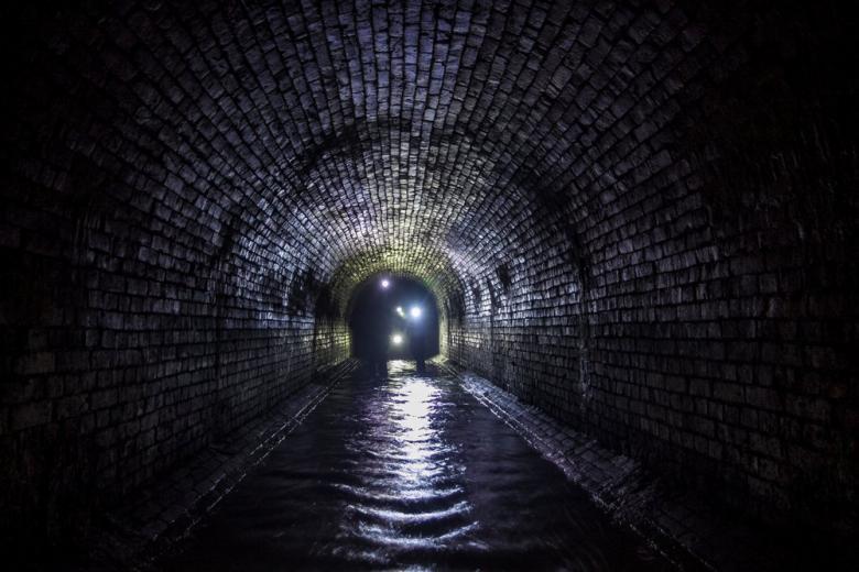 Побег из ГДР: экскурсия по подземельям Берлина фото 1