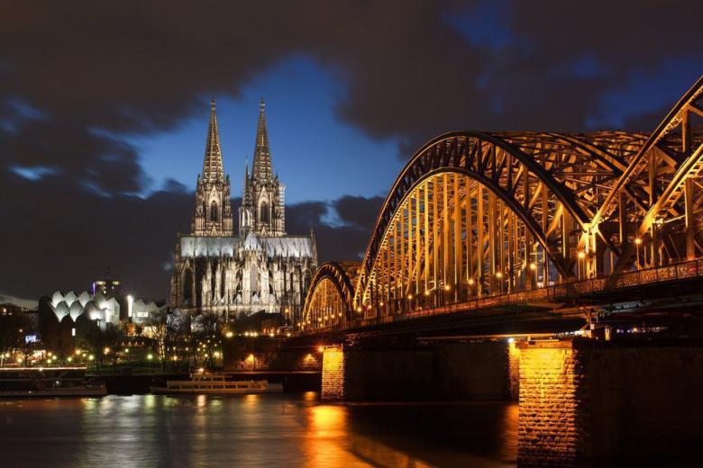 Европейские архитектурные памятники, строительство которых длилось более 500 лет фото 1