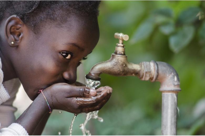 У 180 миллионов человек в зонах конфликтов нет доступа к питьевой воде фото 1