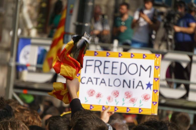 """Глава Каталонии: """"Мы выполним волю тех, кто голосовал за независимость"""" фото 1"""