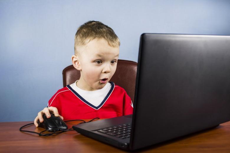 Кто и чем кормит наших детей онлайн? фото 1