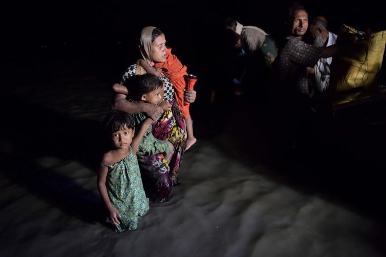 Четыре человека погибли в Бенгальском заливе, пытаясь добраться из Мьянмы в Бангладеш фото 1