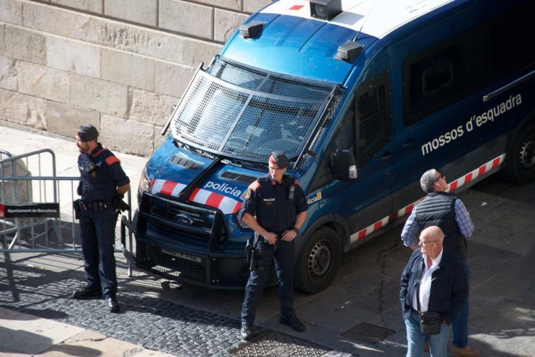 Экс-глава Каталонии отказался дать показания в испанском суде фото 1