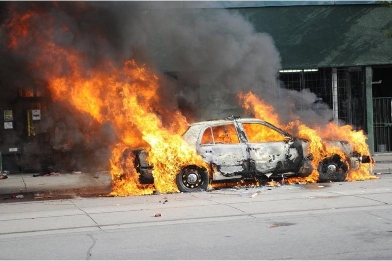 В Сирии при подрыве автомобиля убиты 75 человек фото 1