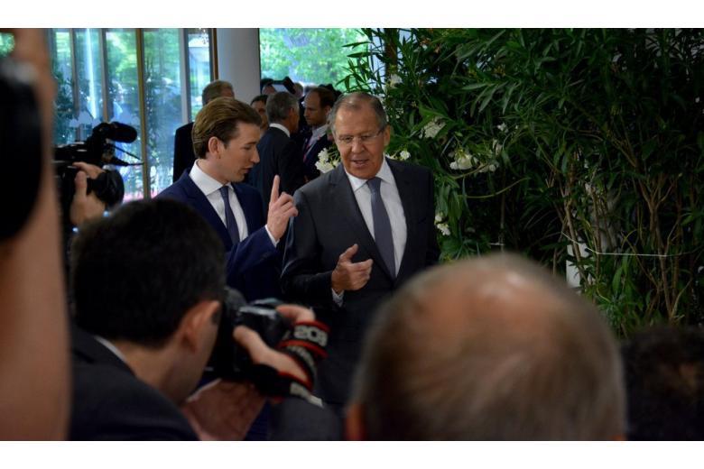 Курц пообещал не отменять санкции Евросоюза в отношении России фото 1