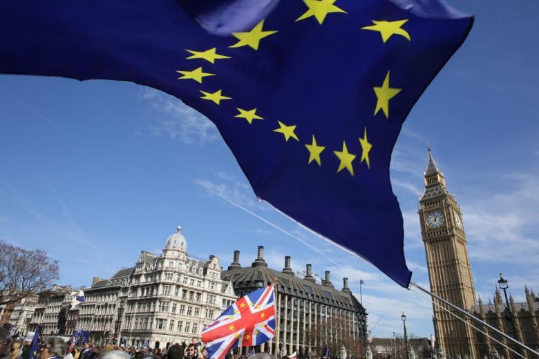 Еврокомиссия утвердила переходный период по Брекзиту фото 1