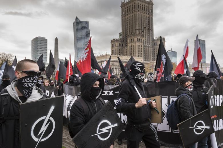 Польша: скандал, связанный с деятельностью неонацистов фото 1