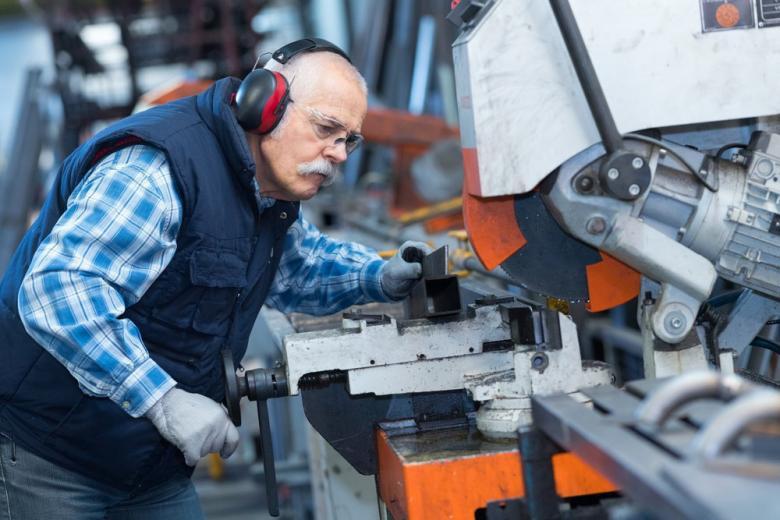 Пожилых работников заменят роботы? Старение населения и рынок труда будущего фото 1