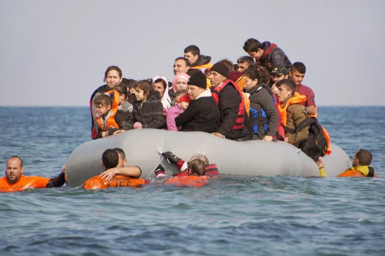 В Средиземном море за один день погибло еще 90 мигрантов фото 1
