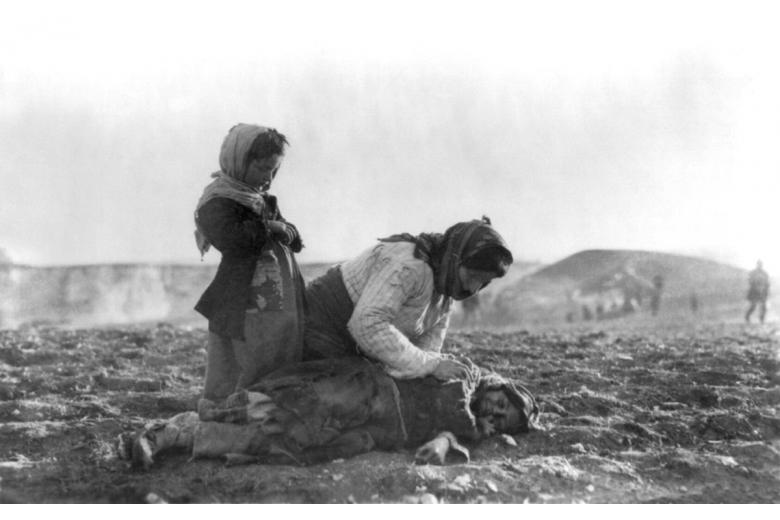 Парламент Нидерландов признал геноцидом убийства армян в 1915 году фото 1