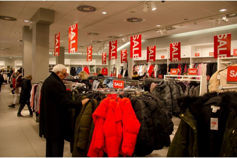Штопать брендовое: H&M в Германии открывает центр ремонта одежды фото 1