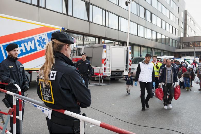 беженцы полиция